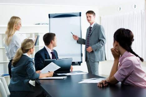 Asesoría a empresas y escuelas